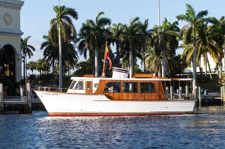 Mizner's Dream motoryacht port side view