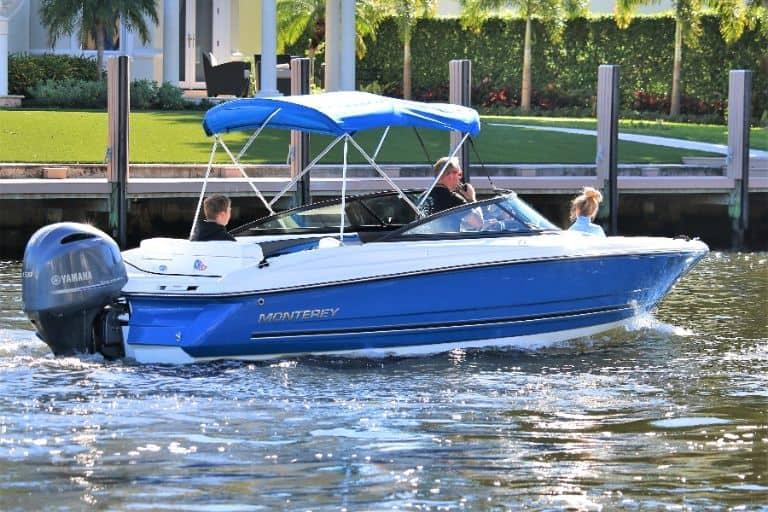 Image of family enjoying Monterey 217 Bowrider rental boat from Daily Boat Rental