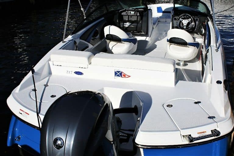 Image of Monterey 217 Bowrider aft view