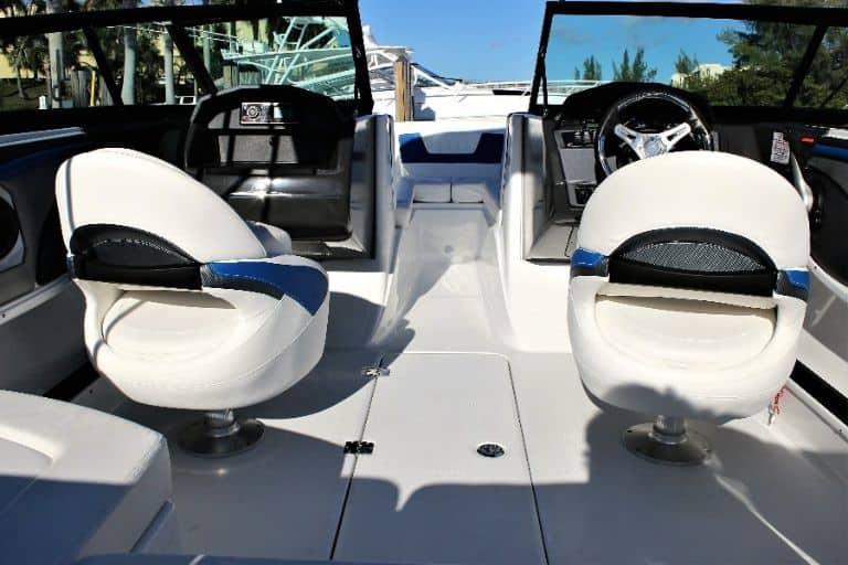 Image of Monterey 217 Bowrider cockpit