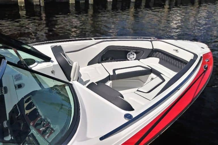 Image of Monterey 298 SS bow seating