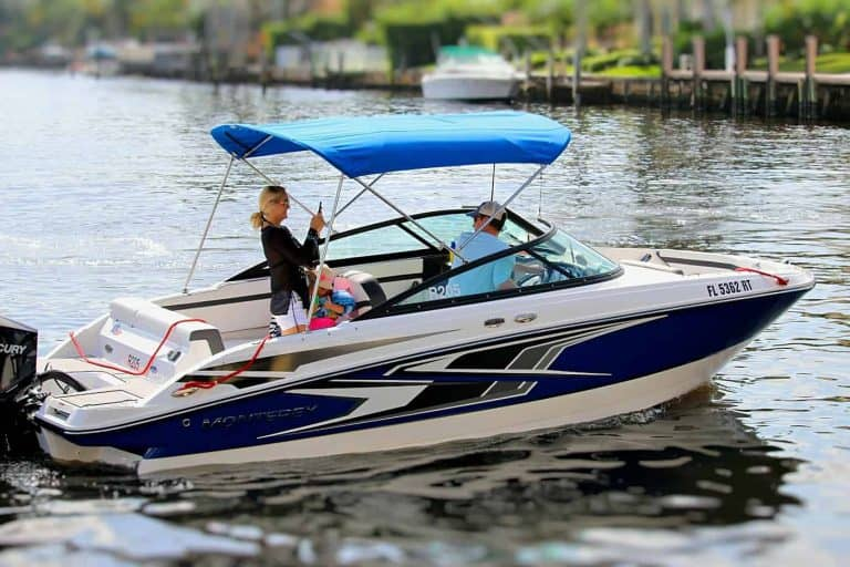 Monterey M-205 Bowrider rental boat