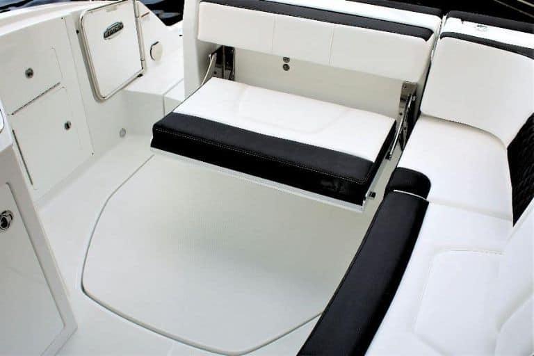 Monterey M-65 bowrider fold-down aft seating