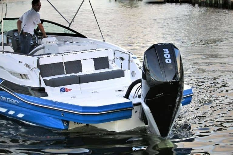 Monterey M-65 bowrider 300 HP outboard