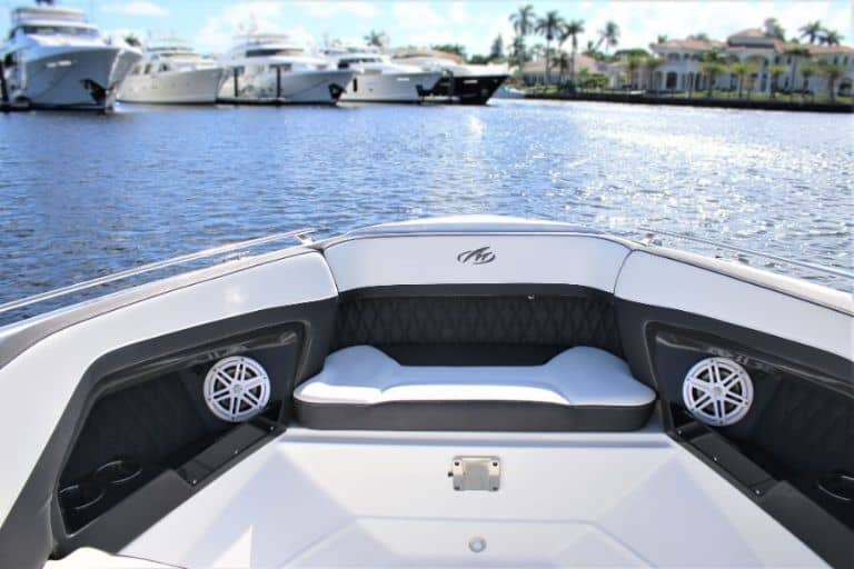 Image of Monterey 298 SS bow seating and stereo speakers